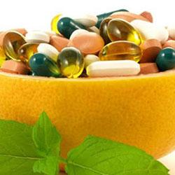 Συμπληρώματα διατροφής και βιταμίνες fruits